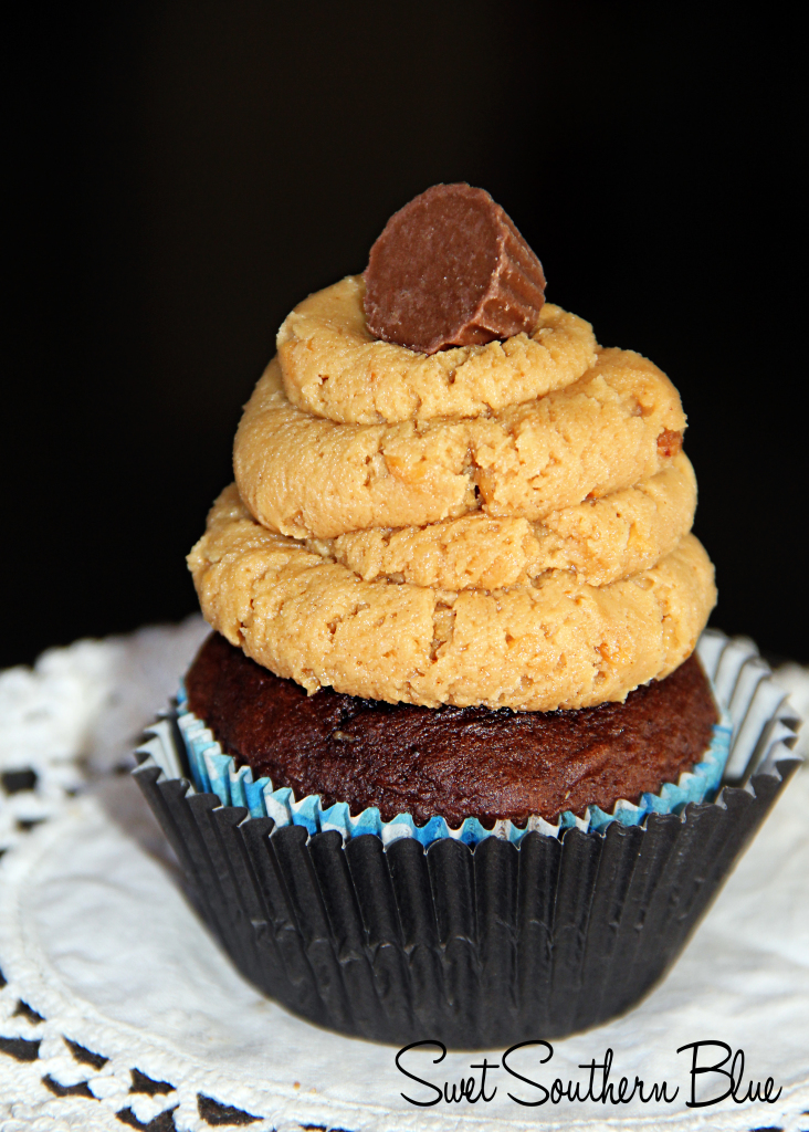 peanutbutter cupcakes 1